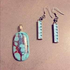 🌷Silvertone Blue Dangly Gemstone Earrings/Pendant